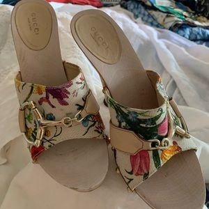 Gucci Flora heels